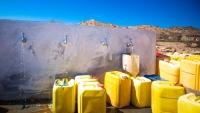 """""""الهجرة الدولية"""" توفر مياه الشرب لأكثر من خمسة آلاف نازح في الحديدة"""