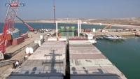 مسؤول مالي يعمل لدى الإمارات يتوعد مدير ميناء سقطرى بالسجن وعدم العودة للميناء