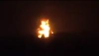 جماعة الحوثي تحرق شاحنتي وقود بالحديدة رفض ملاكها دفع إتاوات مالية