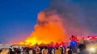 اندلاع حريق في مخيم الجفينة بمأرب تسبب بوفاة طفل وخراب نحو 35 مسكناً