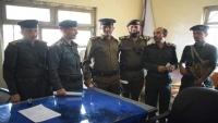 لجنة من شرطة تعز تشرف على عملية إستلام وتسليم بين مدراء سبعة أقسام بالمحافظة