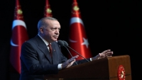 تركيا تعلن نيتها إجراء محادثات مع طالبان بشأن مطار كابول